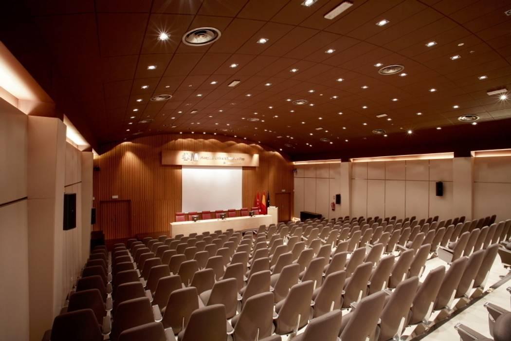 General: Palacios de congresos de estilo  de ESTER SANCHEZ LASTRA