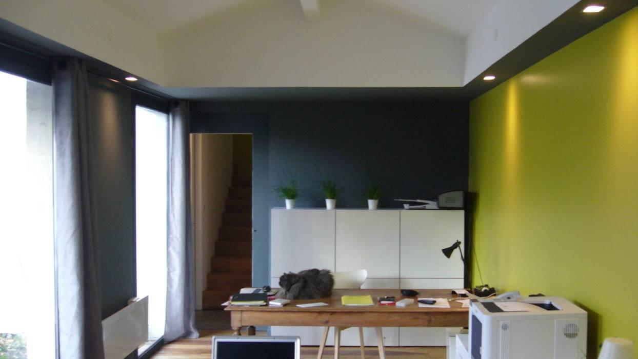 現代  by EURL Cyril DULAU architecte, 現代風