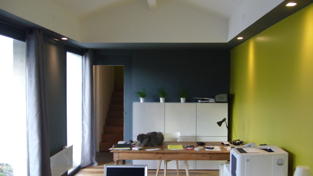 de estilo  por EURL Cyril DULAU architecte, Moderno