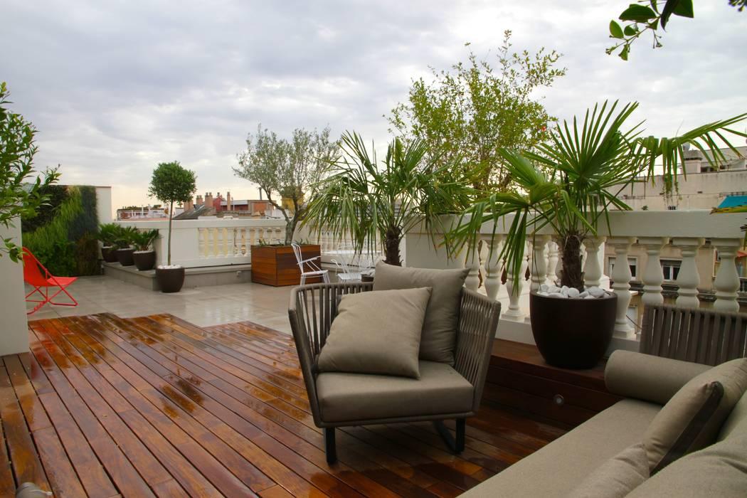 Terraza Balcones y terrazas de estilo moderno de FG ARQUITECTES Moderno