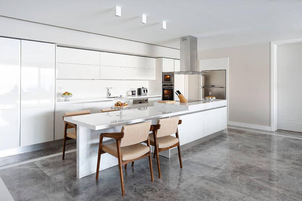 Cocinas de estilo moderno de Escapefromsofa Moderno