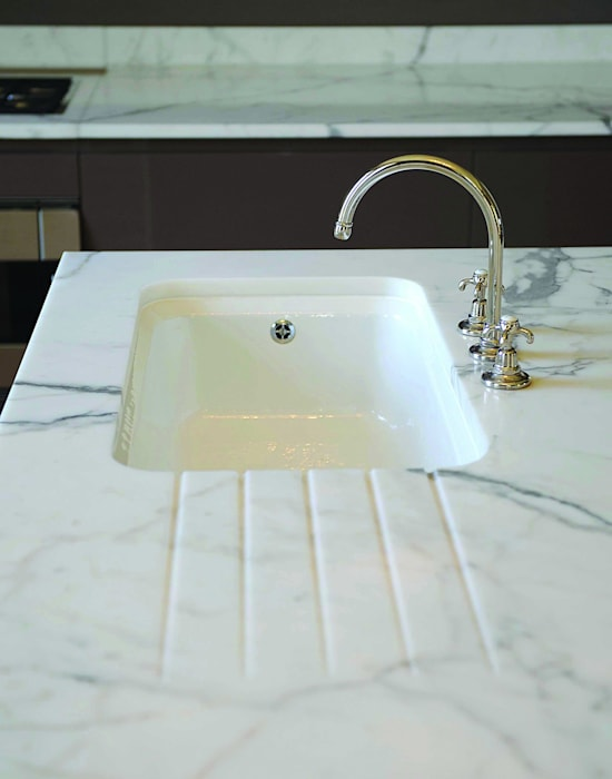Statuary Marble Worktop : country  by Stone Age, Country