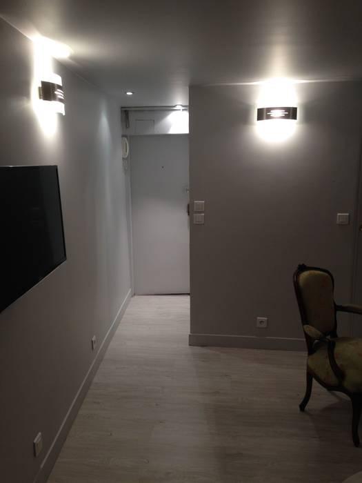 Entrée Couloir, entrée, escaliers modernes par Marine Cornut Moderne