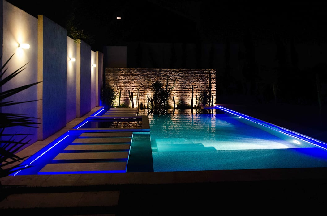 Minimalist pool by Ilaria Di Carlo Architect - IDC_studio Minimalist