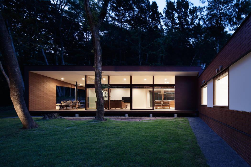Casas modernas por atelier137 ARCHITECTURAL DESIGN OFFICE Moderno