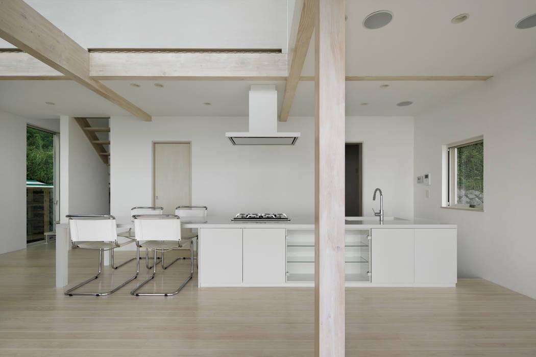 ダイニングキッチン~熱海伊豆山Yさんの家 モダンな キッチン の atelier137 ARCHITECTURAL DESIGN OFFICE モダン MDF