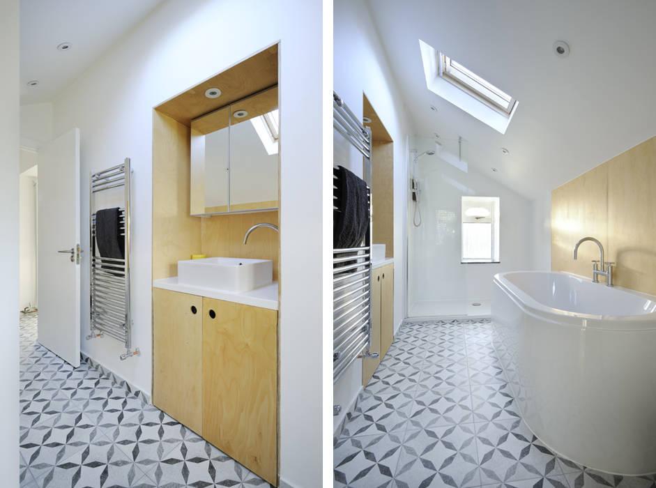 Heath Cottage Bathroom:  Bathroom by Brown + Brown Architects