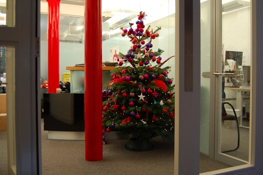 Commercial Christmas Styling Modern office buildings by Bhavin Taylor Design Modern