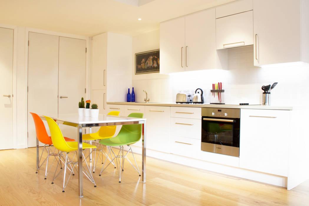 Hampstead Heath Apartment:  Kitchen by Bhavin Taylor Design