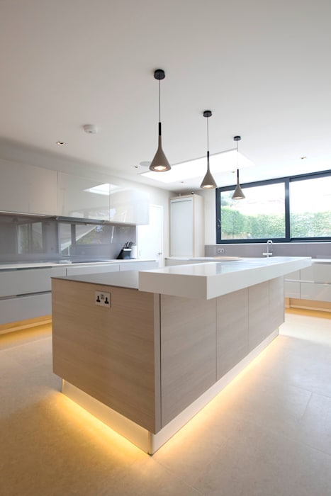 Sophisticated Italian Kitchen Modern kitchen by cu_cucine Modern