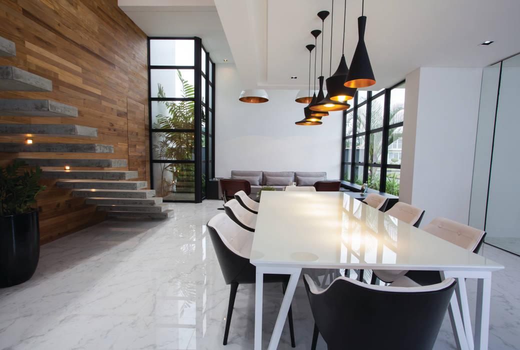 Comedores de estilo minimalista de ZAAV Arquitetura Minimalista