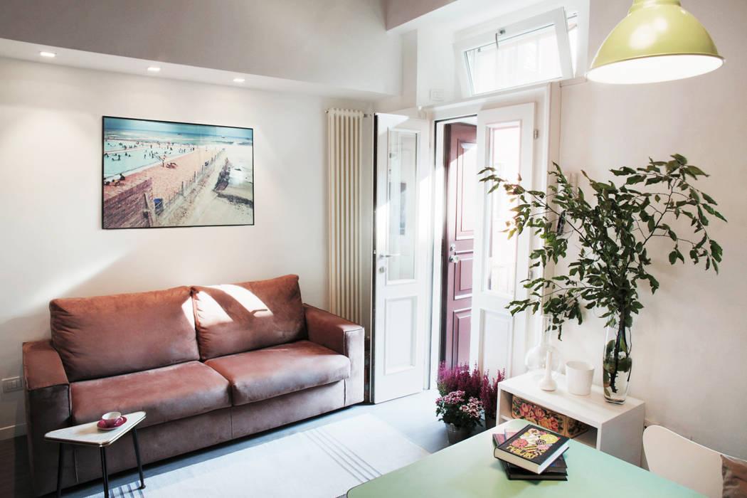 Modern Living Room by marta novarini architetto Modern
