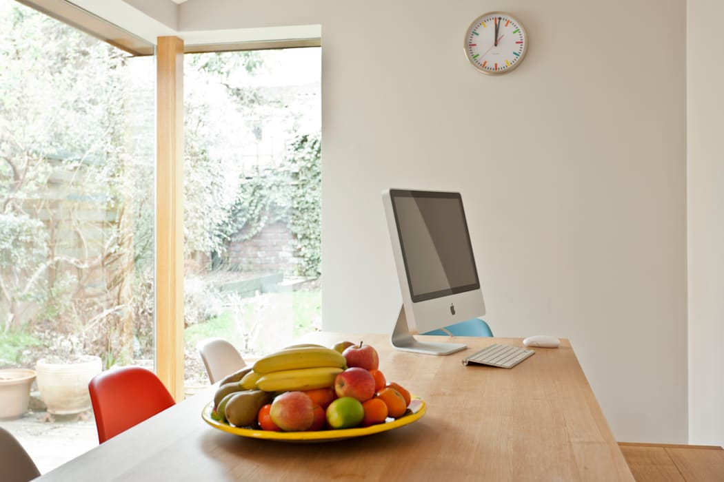 Kitchen remodelling in South Bristol:  Dining room by Dittrich Hudson Vasetti Architects