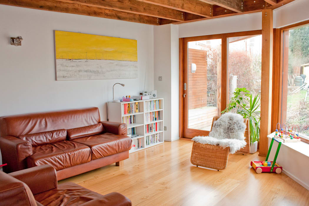 Living Room at Architect's House:  Living room by Dittrich Hudson Vasetti Architects