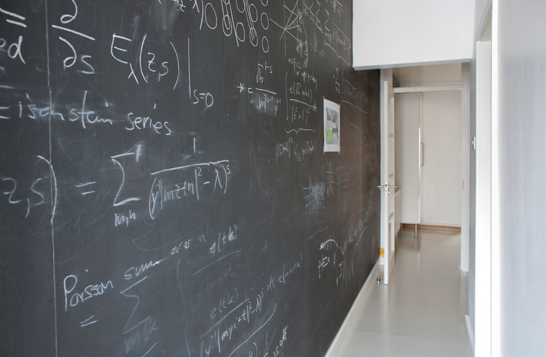 Blackboard in Architect's House in Bristol by DHV Architects:  Corridor & hallway by Dittrich Hudson Vasetti Architects