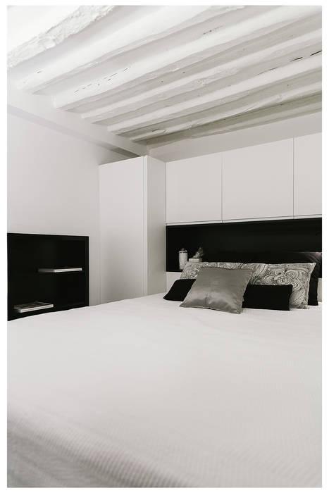 habitacion: Dormitorios de estilo industrial de MILL-HOUSE