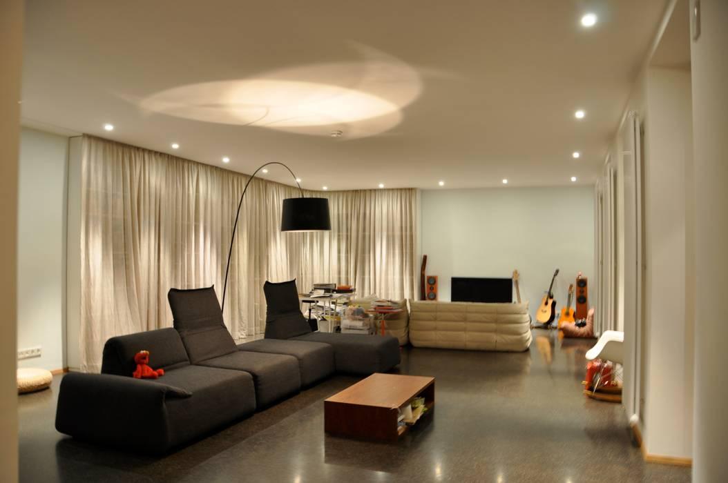 Salas de estilo moderno de nagel + braunagel Moderno