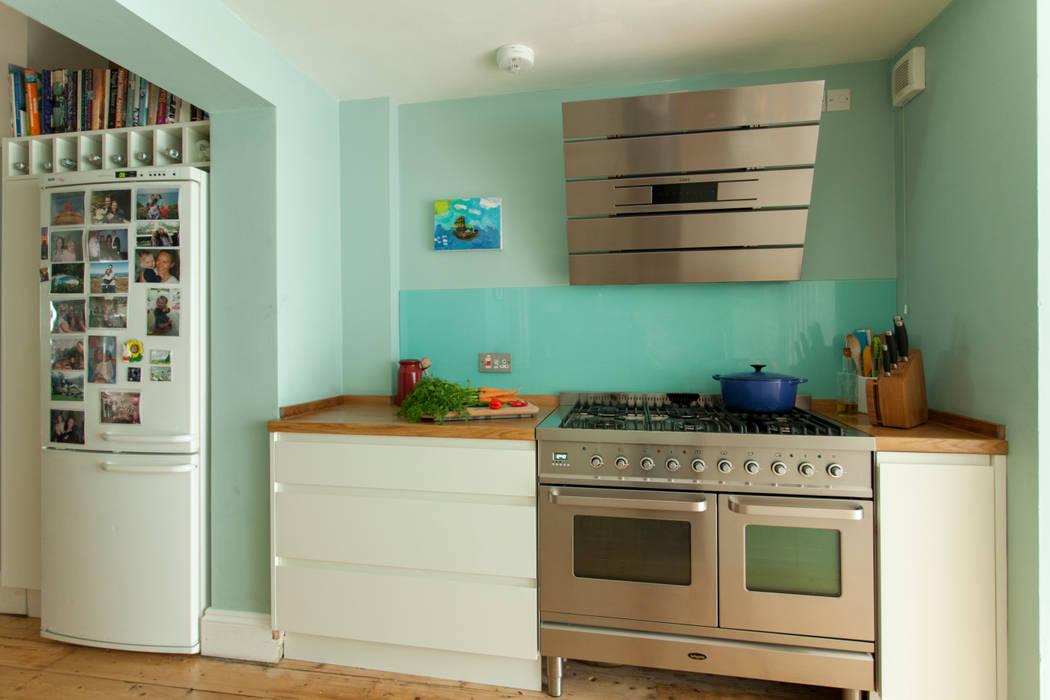 Double storey extension for artist in Bishopston, Bristol Dittrich Hudson Vasetti Architects Cocinas de estilo moderno