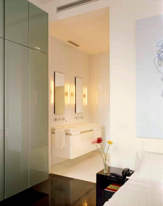Noho Loft, New York studioMDA Minimalist style bathrooms