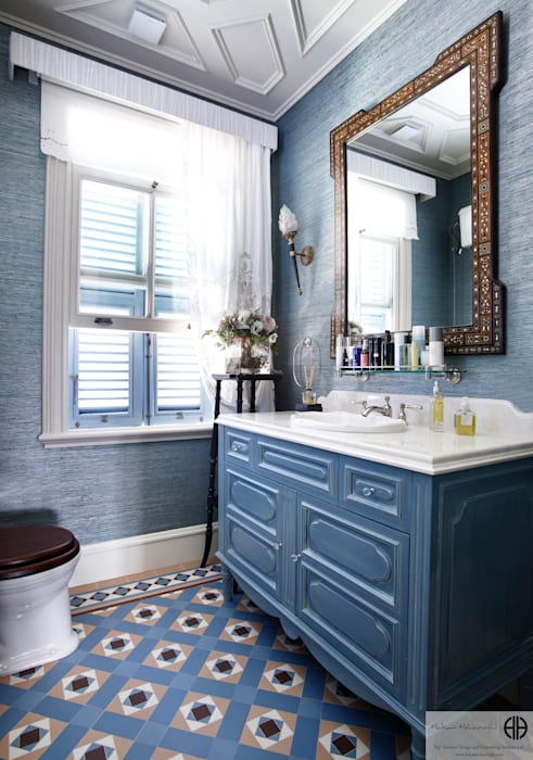 Classic style bathrooms by homify Classic
