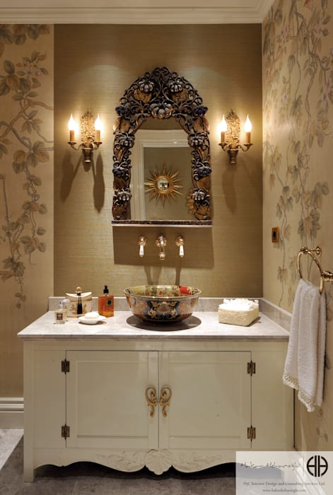 Classic style bathroom by homify Classic
