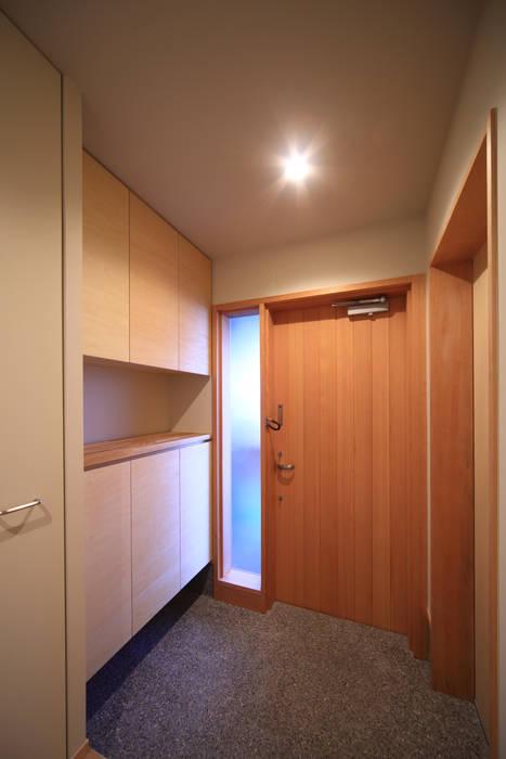 玄関: 悠らり建築事務所が手掛けた家です。