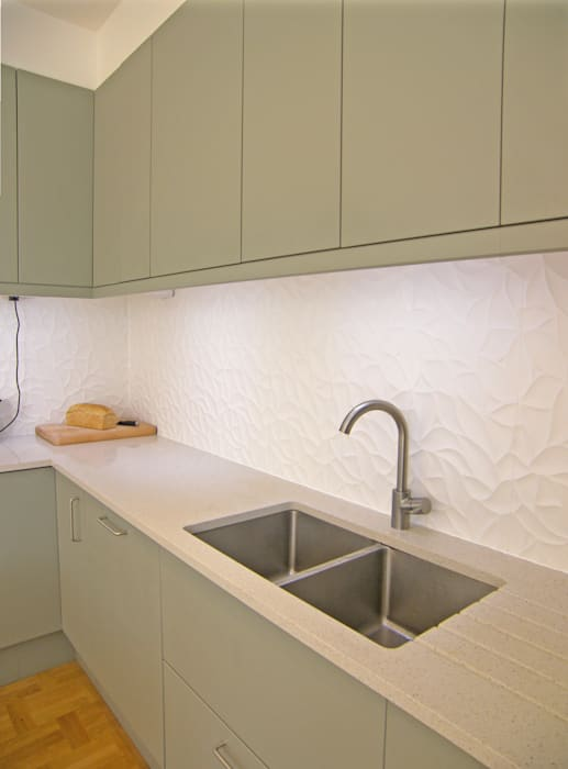 House for a mathematician in Bristol:  Kitchen by Dittrich Hudson Vasetti Architects,