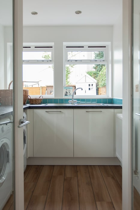 Extension to an Edwardian house in Bristol:  Kitchen by Dittrich Hudson Vasetti Architects,