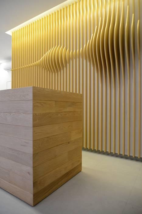 Offices & stores by ministudio architetti, Minimalist