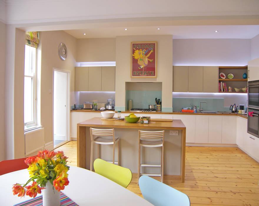 Garden room for a writer Modern kitchen by Dittrich Hudson Vasetti Architects Modern