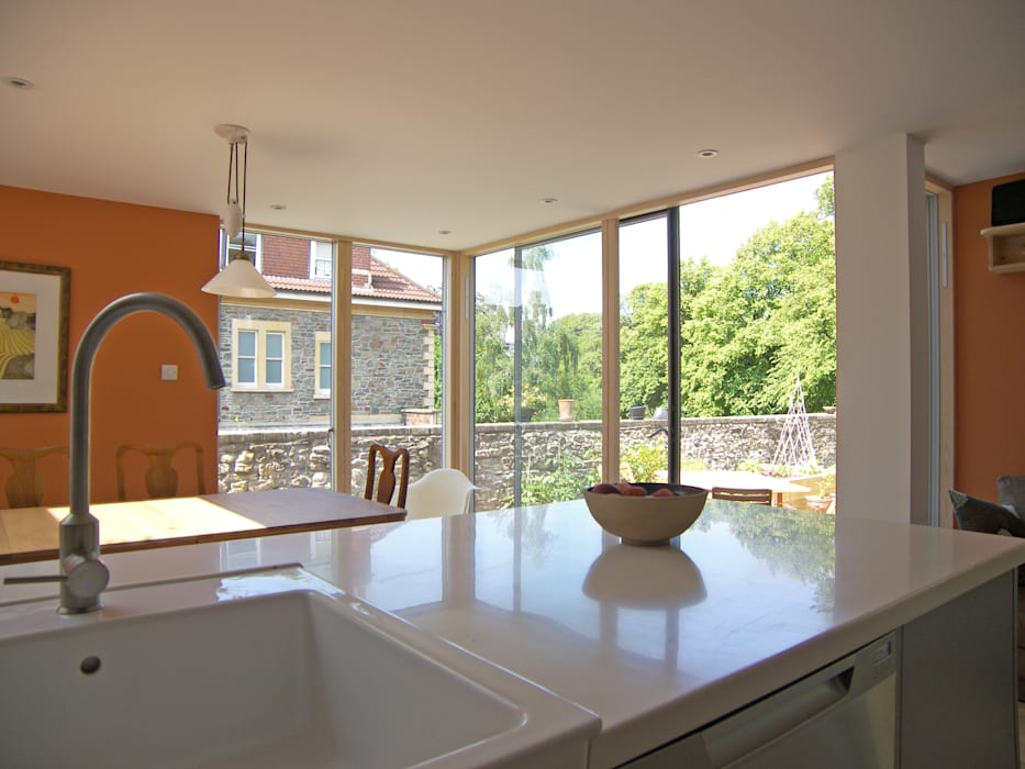 Eco extension to 1960's townhouse in Bristol:  Kitchen by Dittrich Hudson Vasetti Architects,