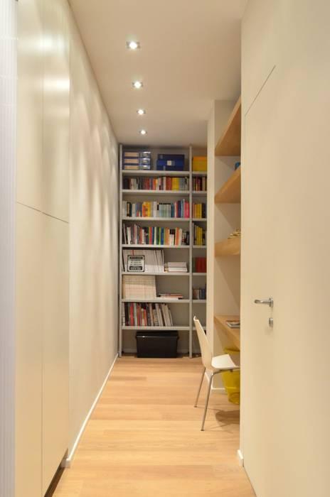 Bureau minimaliste par ministudio architetti Minimaliste