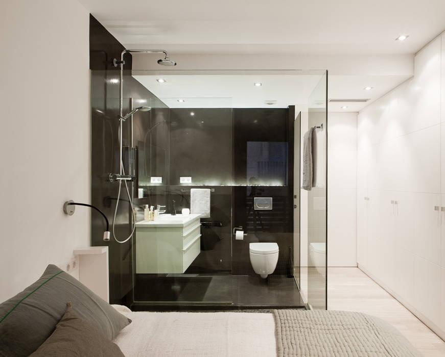 Minimalist bedroom by Sebastián Bayona Bayeltecnics Design Minimalist