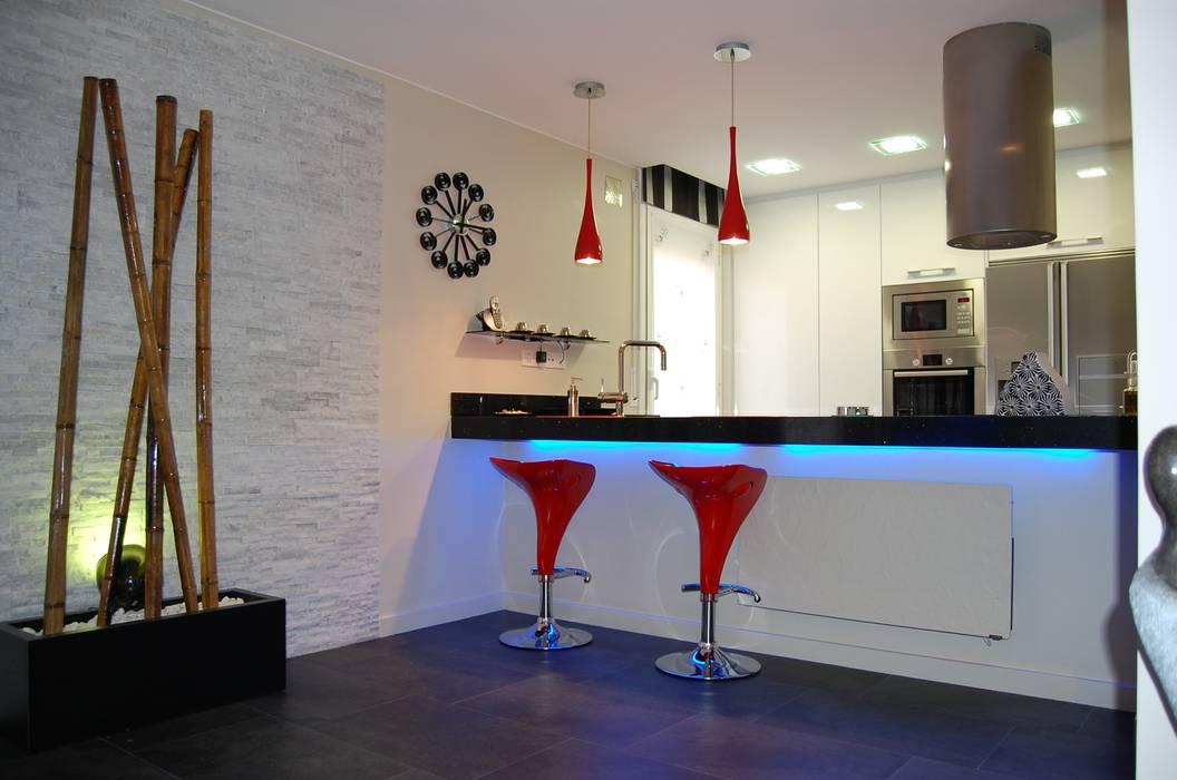 Minimalistische Küchen von Sebastián Bayona Bayeltecnics Design Minimalistisch