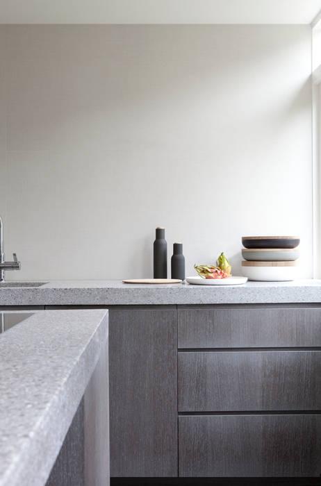 Modern style kitchen by Remy Meijers Interieurarchitectuur Modern