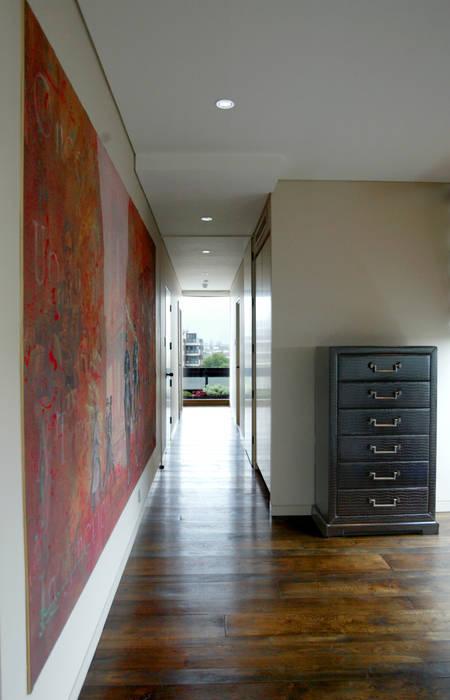 Circulation Couloir, entrée, escaliers classiques par Atelier TO-AU Classique
