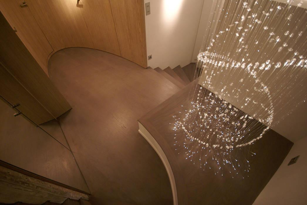 Palier ellipique Couloir, entrée, escaliers modernes par Atelier TO-AU Moderne
