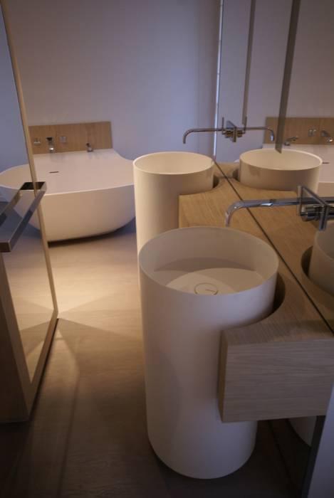 Salle de bains: Salle de bains de style  par Atelier TO-AU, Moderne