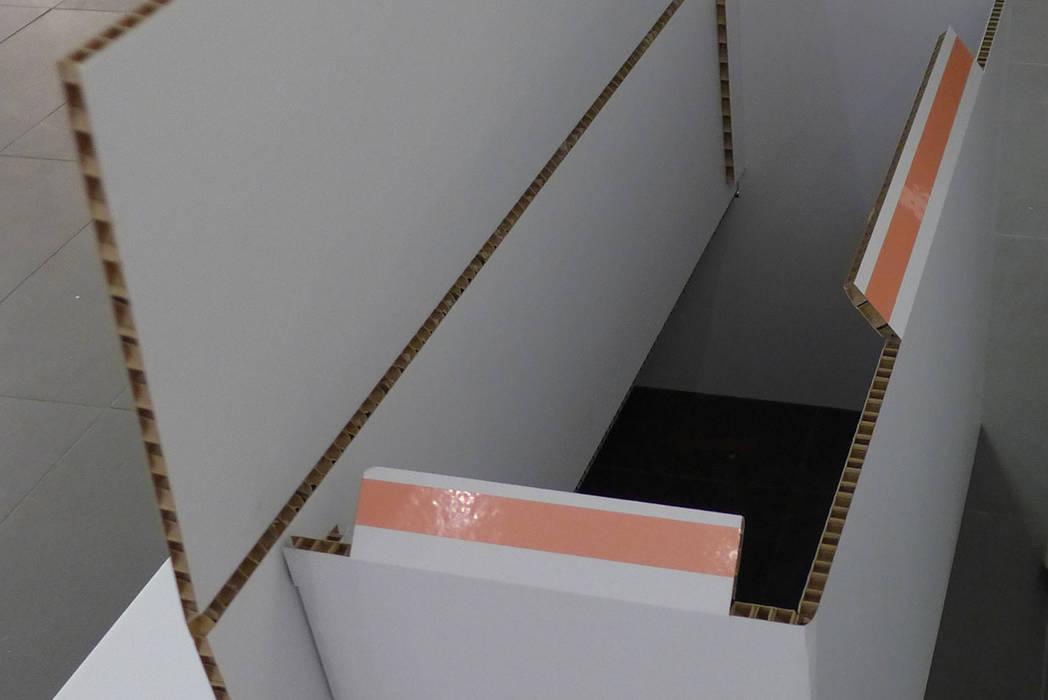 Mobiliario de cartón para Fnac Kids Centros comerciales de estilo moderno de Trama Moderno