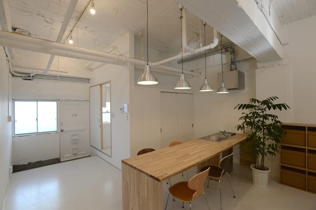 coworking space in 5th Avenue 모던스타일 주방 by SHUSAKU MATSUDA & ASSOCIATES, ARCHITECTS 모던