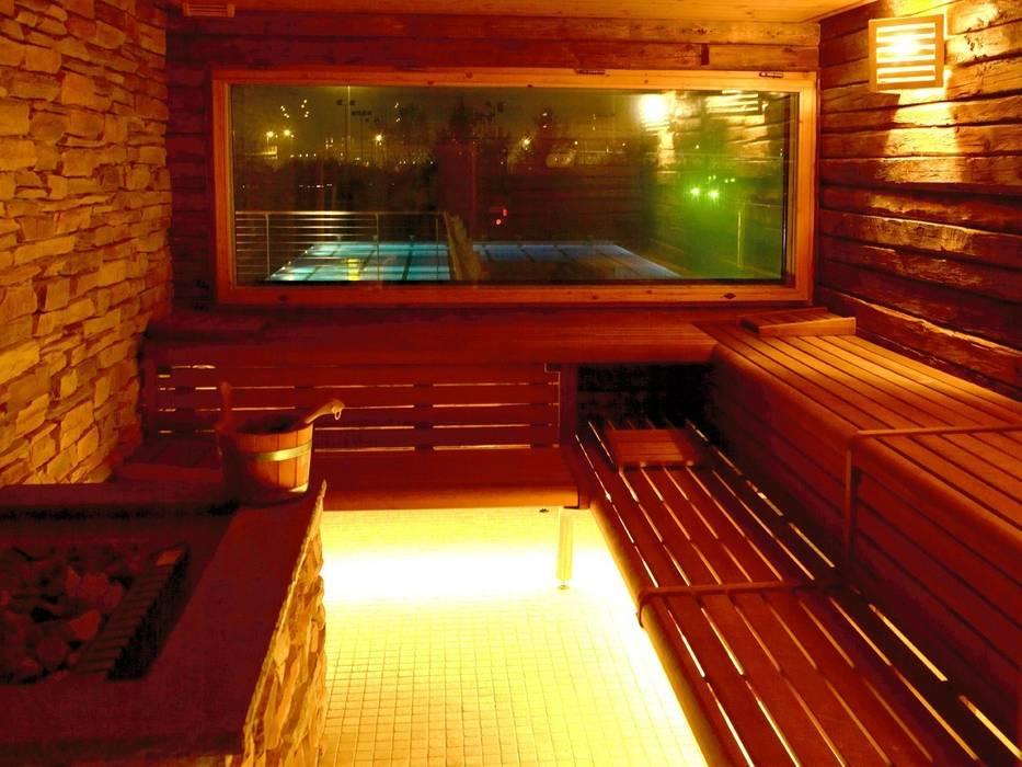 Sauna Finlandese: Spa in stile in stile Moderno di ssuma