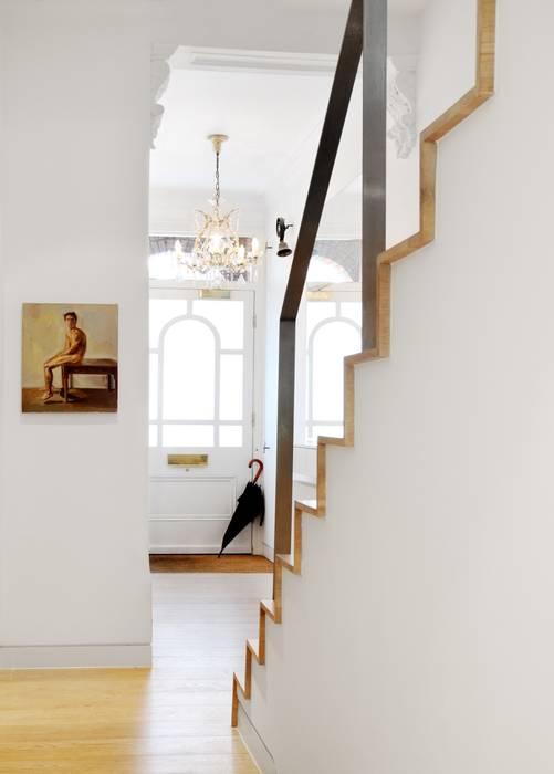 Book Tower House Nowoczesny korytarz, przedpokój i schody od Platform 5 Architects LLP Nowoczesny