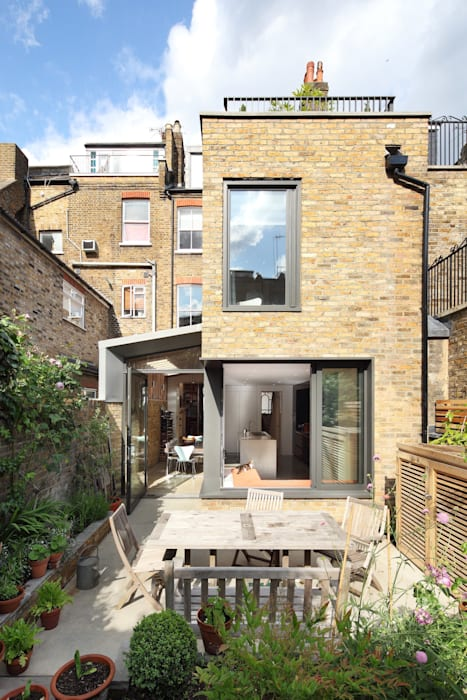 Book Tower House Modern houses by Platform 5 Architects LLP Modern