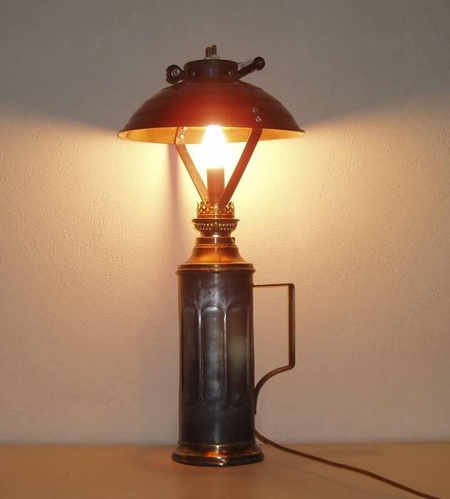 la première des lampes crées: Bureau de style  par détours de lumières