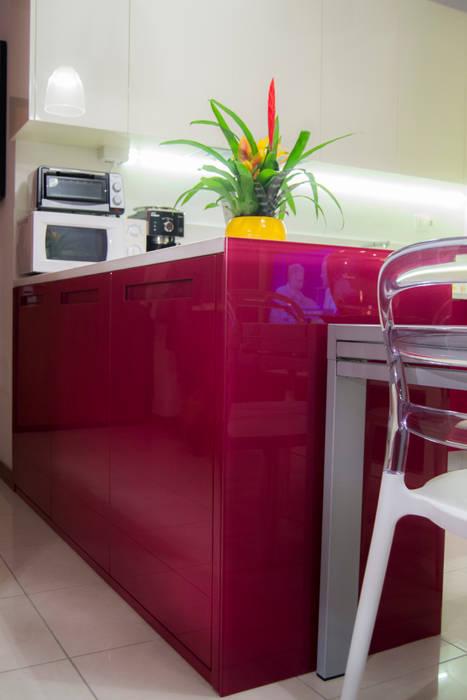 Cucina bicolore laccata lucida rossa e bianca cucina moderna ...