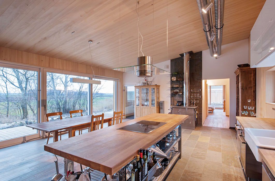 Kitchen by Abendroth Architekten