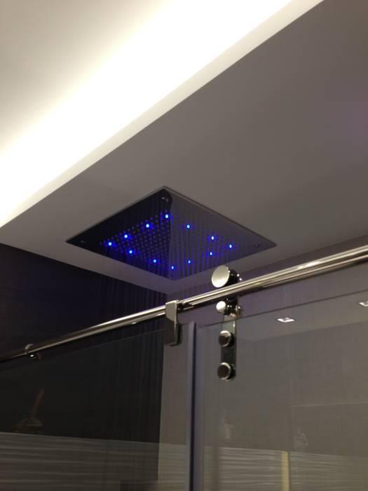 ห้องน้ำ โดย Sebastián Bayona Bayeltecnics Design, มินิมัล