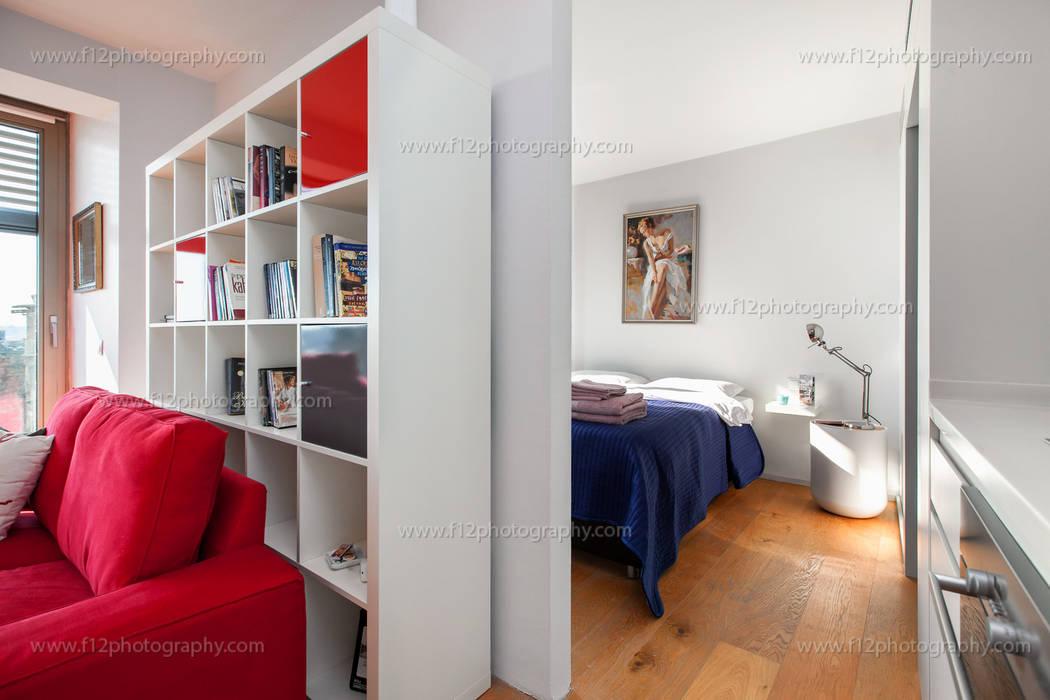 Dormitorios de estilo moderno de f12 Photography Moderno