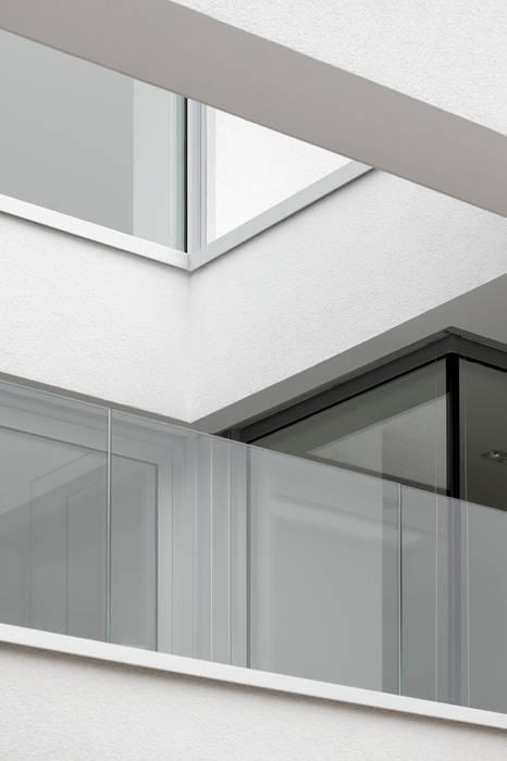 Fassadendetail:  Fenster von bilger fellmeth,Modern