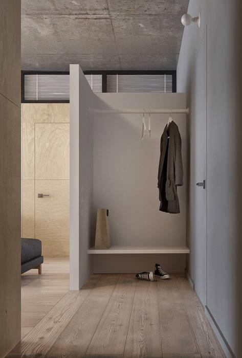 INT2architecture Ingresso, Corridoio & Scale in stile minimalista